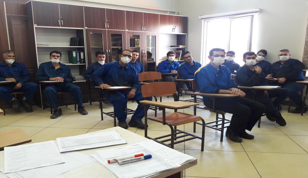 Kimyasallarla işyerinde güvenlik ilkeleri üzerine bir eğitim kursu düzenlendi.